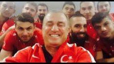 Türkiye  &  Hollanda Milli Maç 42 Dk Işık Show